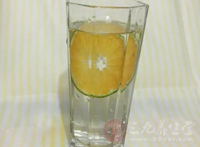 柠檬水加维他命C