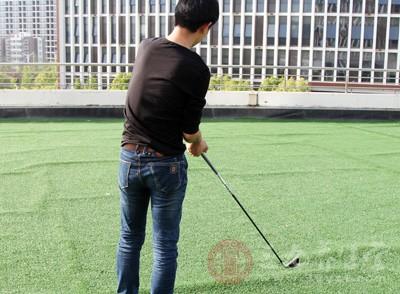 打高尔夫的小常识 成为高尔夫高手的技巧
