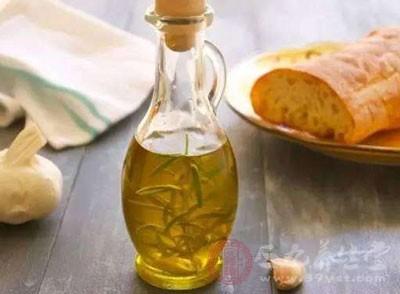 进口橄榄油生产日期可擦除 超市下架万余瓶