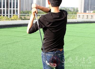 打高尔夫几种最逗比训练方法 听说还很有效