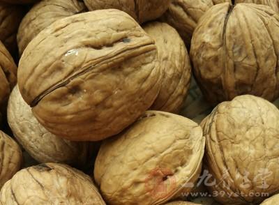吃坚果的好处 多吃坚果全身受益