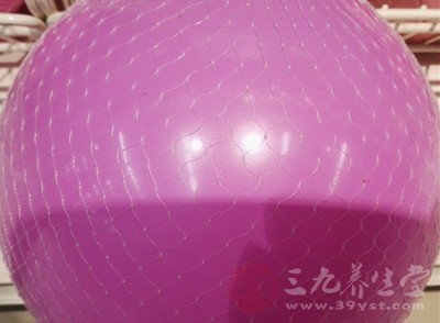 瑜伽球怎么保存 怎样用瑜伽球锻炼