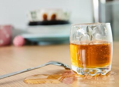 有酒精味的蜂蜜还能不能喝