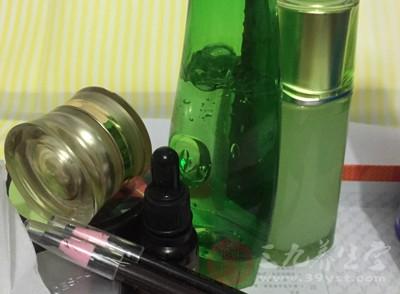 卸妆水的鉴别方法