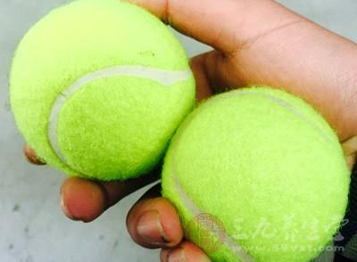 如何正确打网球 打网球的注意事项