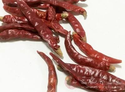 另外辣椒還會加重便秘,使痔瘡變重