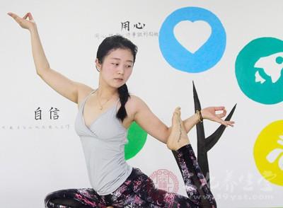 怎样练瑜伽瘦身快 练瘦身瑜伽最佳时间段