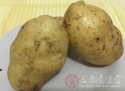 土豆能提供更多的钾和纤维素