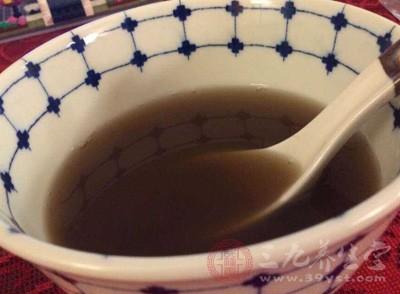 一碗浓浓姜汤不仅可以预防和治疗感冒