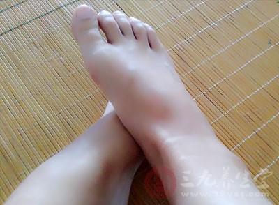 脚趾头短——耐力强