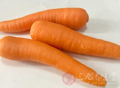 胡萝卜含有大量胡萝卜素,有补肝明目的作用,可治疗夜盲症
