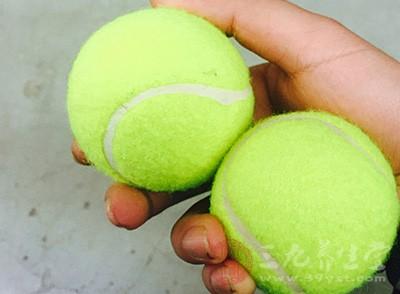 网球发球的要领 打好网球的必备技巧