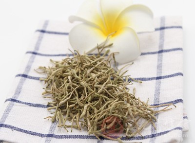 在中医中,普遍的认知是金银花具有性寒凉,有很好的清热解毒的作用