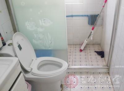 卫生间除臭 无窗厕所巧放一物臭味立刻消
