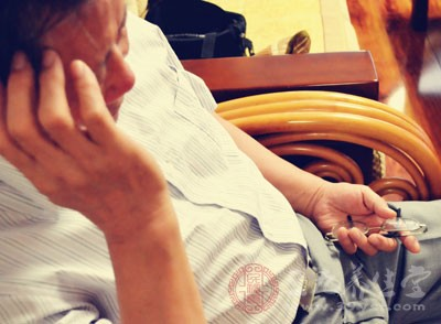 治疗失眠的小妙招 老人失眠如何调整