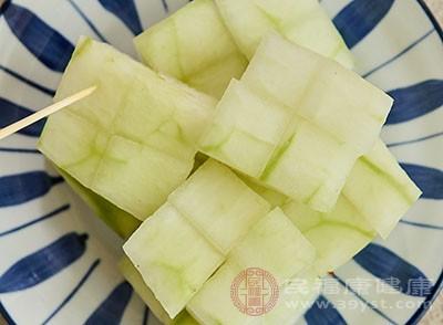 冬瓜中还有一种粗纤维,可以使肠道更好的蠕动