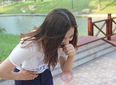 女性朋友如果有月经不调的情况,那么也可能会长黑眼圈