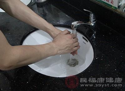 被開水燙傷后怎么處理
