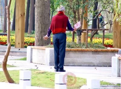 老人出游注意事项 老人五一旅游准备好了吗