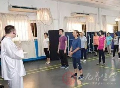 中医气功走进中国驻苏使馆 促进两国文化交流