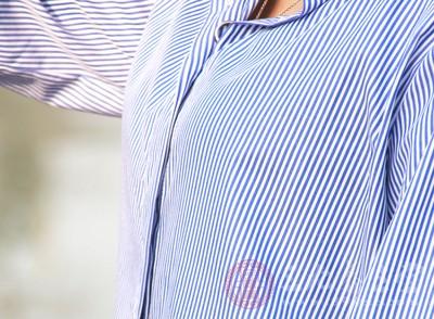 胸部有硬块是怎么回事 导致乳房有硬块的因素