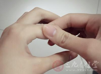 手指穴位按摩 常搓手养生防病少不了