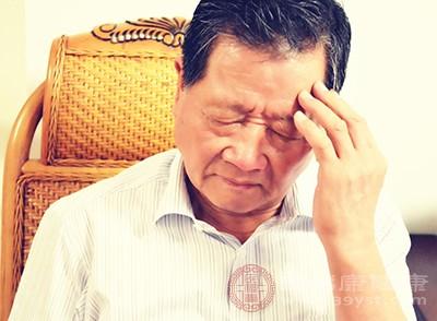 颈椎病的症状 经常落枕可能是这原因