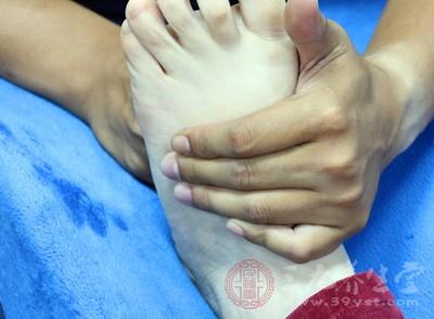 脚是我们的第二心脏,上面有很多穴位