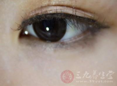 眼皮跳的食疗方法 3个食疗方防治眼皮跳