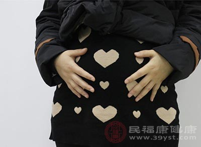 輕柔的腹部按摩