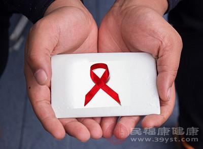 艾滋病前期小红点是平的还是凸起的