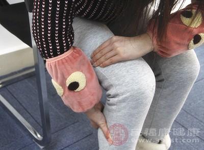 下肢水肿,向上蔓延:肝脏可能病了