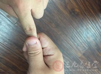 食指——手阳明大肠经所经过
