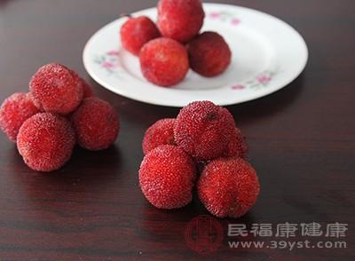 杨梅是一种偏温热的夏季时令水果