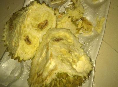赣州大润发买的榴莲有异味 尝了一点就闹肚子