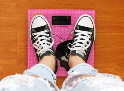 节食中如何应对空腹困扰 5要点助你抑制饱食