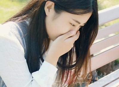 恶心想吐是什么原因 引起恶心想吐的原因