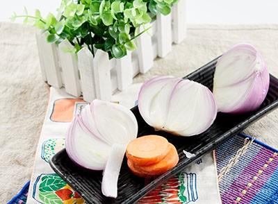 洋葱、大蒜、韭菜里面充满了多种营养元素
