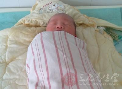 新生儿肺炎的早期症状 新生儿得了肺炎怎么办