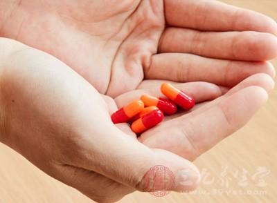 每日使用阿司匹林漱口2-3次