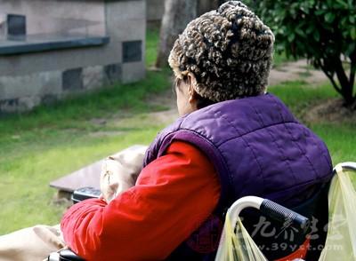 乌鸡白凤丸对于脑中风后痴呆症状的好转有一定的效果