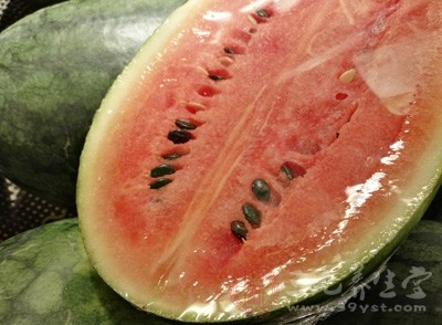西瓜中含有瓜氨酸和精氨酸,对清除肾脏炎症有益