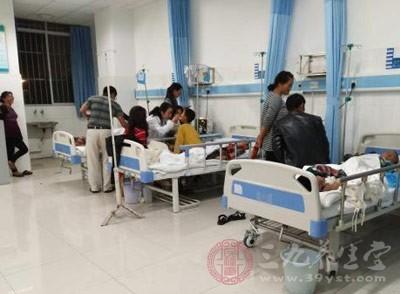 先后入院检查的43名学生进行了诊断筛查,已离院14人,留院观察29人,无危重病人