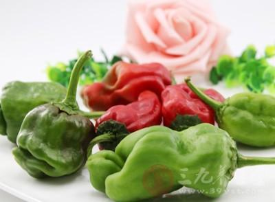禁止进食任何具有刺激性的食物,如:辣椒