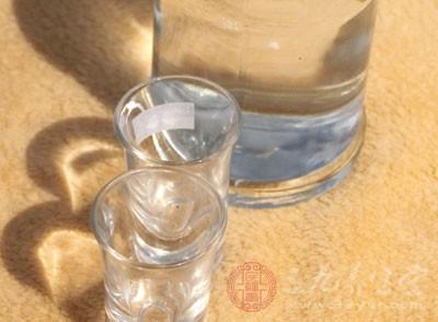 """酒""""甜""""或藏玄机 黑龙江一白酒检出甜蜜素"""