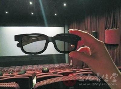 影院3D眼镜消毒卫生不达标 可能会引发眼疾