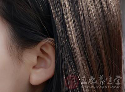 耳朵里面疼是怎么回事 可能是患了这些病