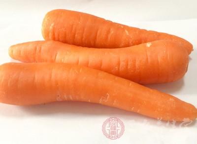 胡蘿卜屬于堿性食物,能夠補充人體的微量元素