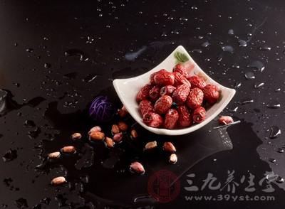 今天我们的话题便是红枣:红枣是什么、吃红枣的禁忌、红枣不同吃法功效不同