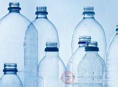 塑料瓶威胁全球气候变化 我们该如何阻止